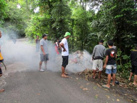 Bersihkan Sampah Plastik di Wilayah Pemelasan, Peserta Pergoki Satu Pelaku Pembuangan Sampah