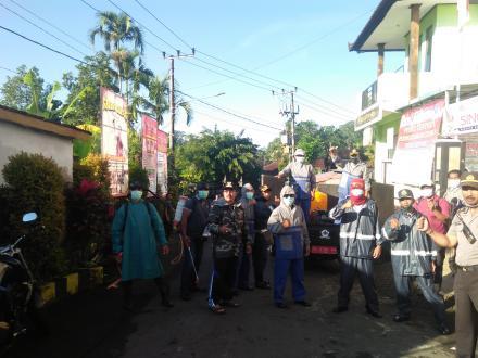 Penyemprotan Disinfektan di Desa Sepang Sasar Banjar Dinas Sepang dan Belulang