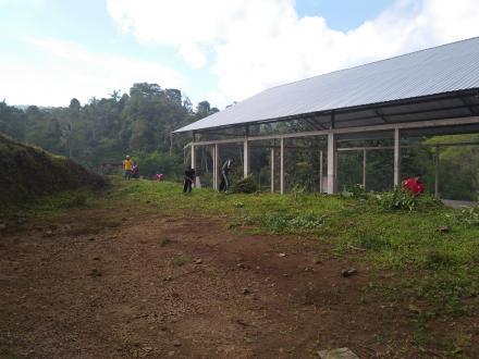 Jaga Kebersihan Lingkungan Pada Masa Pandemi, LPM Desa Sepang Adakan Kegiatan Gotong Royong