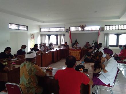 Rapat Koordinasi Penyediaan Anggaran pada APBDesa untuk Posko Desa dan PPKM Mikro di Kec. Busungbiu